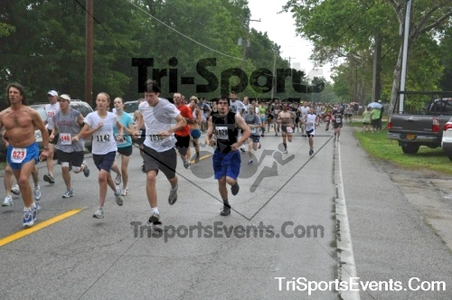 34th Chestertown Tea Party 5K Run/Walk<br><br><br><br><a href='https://www.trisportsevents.com/pics/pic0029.JPG' download='pic0029.JPG'>Click here to download.</a><Br><a href='http://www.facebook.com/sharer.php?u=http:%2F%2Fwww.trisportsevents.com%2Fpics%2Fpic0029.JPG&t=34th Chestertown Tea Party 5K Run/Walk' target='_blank'><img src='images/fb_share.png' width='100'></a>