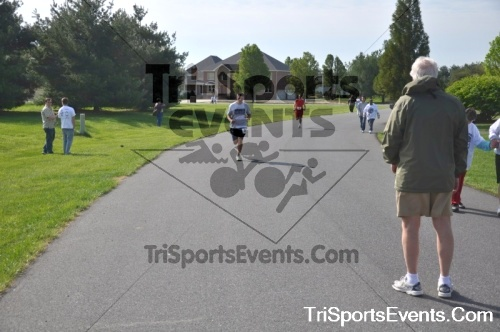 10th ARC 5K Run/Walk<br><br><br><br><a href='http://www.trisportsevents.com/pics/pic0031.JPG' download='pic0031.JPG'>Click here to download.</a><Br><a href='http://www.facebook.com/sharer.php?u=http:%2F%2Fwww.trisportsevents.com%2Fpics%2Fpic0031.JPG&t=10th ARC 5K Run/Walk' target='_blank'><img src='images/fb_share.png' width='100'></a>