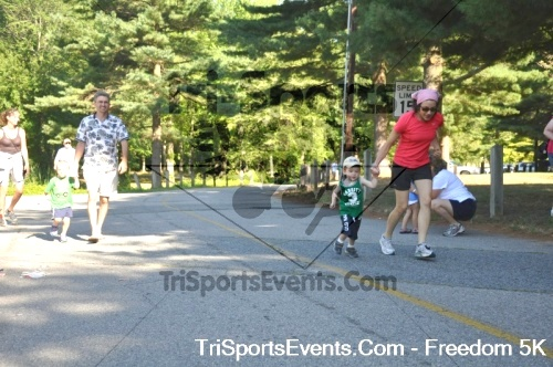 Freedom 5K Run/Walk<br><br><br><br><a href='http://www.trisportsevents.com/pics/pic00513.JPG' download='pic00513.JPG'>Click here to download.</a><Br><a href='http://www.facebook.com/sharer.php?u=http:%2F%2Fwww.trisportsevents.com%2Fpics%2Fpic00513.JPG&t=Freedom 5K Run/Walk' target='_blank'><img src='images/fb_share.png' width='100'></a>