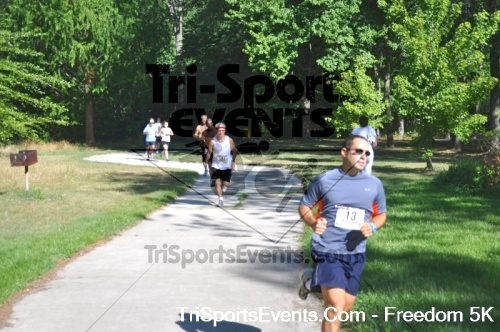 Freedom 5K Run/Walk<br><br><br><br><a href='http://www.trisportsevents.com/pics/pic00813.JPG' download='pic00813.JPG'>Click here to download.</a><Br><a href='http://www.facebook.com/sharer.php?u=http:%2F%2Fwww.trisportsevents.com%2Fpics%2Fpic00813.JPG&t=Freedom 5K Run/Walk' target='_blank'><img src='images/fb_share.png' width='100'></a>