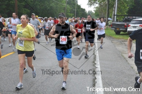 34th Chestertown Tea Party 10 Mile Run<br><br><br><br><a href='http://www.trisportsevents.com/pics/pic0129.JPG' download='pic0129.JPG'>Click here to download.</a><Br><a href='http://www.facebook.com/sharer.php?u=http:%2F%2Fwww.trisportsevents.com%2Fpics%2Fpic0129.JPG&t=34th Chestertown Tea Party 10 Mile Run' target='_blank'><img src='images/fb_share.png' width='100'></a>