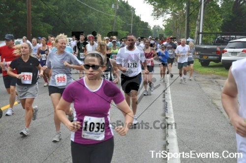 34th Chestertown Tea Party 10 Mile Run<br><br><br><br><a href='http://www.trisportsevents.com/pics/pic0139.JPG' download='pic0139.JPG'>Click here to download.</a><Br><a href='http://www.facebook.com/sharer.php?u=http:%2F%2Fwww.trisportsevents.com%2Fpics%2Fpic0139.JPG&t=34th Chestertown Tea Party 10 Mile Run' target='_blank'><img src='images/fb_share.png' width='100'></a>