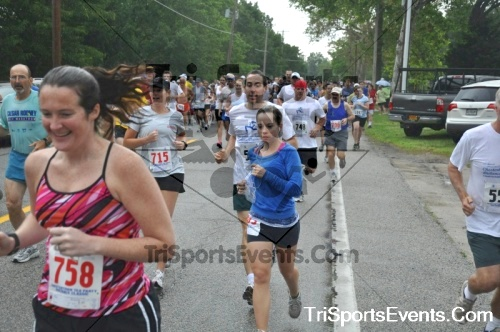 34th Chestertown Tea Party 10 Mile Run<br><br><br><br><a href='http://www.trisportsevents.com/pics/pic0149.JPG' download='pic0149.JPG'>Click here to download.</a><Br><a href='http://www.facebook.com/sharer.php?u=http:%2F%2Fwww.trisportsevents.com%2Fpics%2Fpic0149.JPG&t=34th Chestertown Tea Party 10 Mile Run' target='_blank'><img src='images/fb_share.png' width='100'></a>