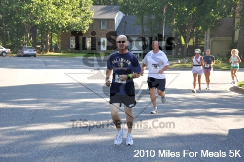 Miles For Meals 5K Run/Walk<br><br><br><br><a href='http://www.trisportsevents.com/pics/pic01514.JPG' download='pic01514.JPG'>Click here to download.</a><Br><a href='http://www.facebook.com/sharer.php?u=http:%2F%2Fwww.trisportsevents.com%2Fpics%2Fpic01514.JPG&t=Miles For Meals 5K Run/Walk' target='_blank'><img src='images/fb_share.png' width='100'></a>