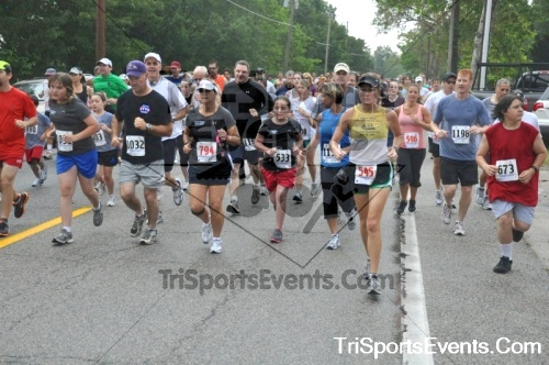 34th Chestertown Tea Party 10 Mile Run<br><br><br><br><a href='http://www.trisportsevents.com/pics/pic0169.JPG' download='pic0169.JPG'>Click here to download.</a><Br><a href='http://www.facebook.com/sharer.php?u=http:%2F%2Fwww.trisportsevents.com%2Fpics%2Fpic0169.JPG&t=34th Chestertown Tea Party 10 Mile Run' target='_blank'><img src='images/fb_share.png' width='100'></a>