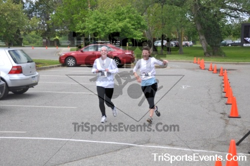 5K Run/Walk For Mom<br><br><br><br><a href='http://www.trisportsevents.com/pics/pic0174.JPG' download='pic0174.JPG'>Click here to download.</a><Br><a href='http://www.facebook.com/sharer.php?u=http:%2F%2Fwww.trisportsevents.com%2Fpics%2Fpic0174.JPG&t=5K Run/Walk For Mom' target='_blank'><img src='images/fb_share.png' width='100'></a>