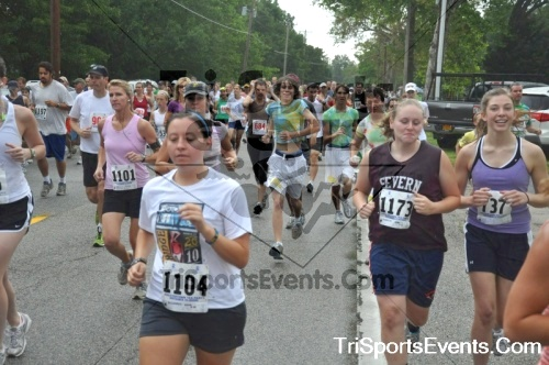 34th Chestertown Tea Party 10 Mile Run<br><br><br><br><a href='http://www.trisportsevents.com/pics/pic0179.JPG' download='pic0179.JPG'>Click here to download.</a><Br><a href='http://www.facebook.com/sharer.php?u=http:%2F%2Fwww.trisportsevents.com%2Fpics%2Fpic0179.JPG&t=34th Chestertown Tea Party 10 Mile Run' target='_blank'><img src='images/fb_share.png' width='100'></a>