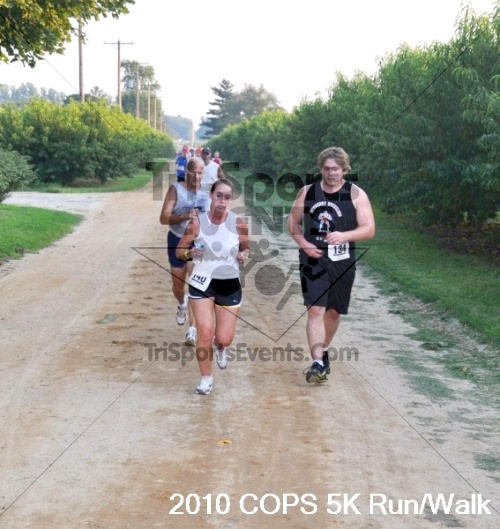 Concerns Of Police Survivors (COPS) 5K<br><br><br><br><a href='http://www.trisportsevents.com/pics/pic01816.JPG' download='pic01816.JPG'>Click here to download.</a><Br><a href='http://www.facebook.com/sharer.php?u=http:%2F%2Fwww.trisportsevents.com%2Fpics%2Fpic01816.JPG&t=Concerns Of Police Survivors (COPS) 5K' target='_blank'><img src='images/fb_share.png' width='100'></a>