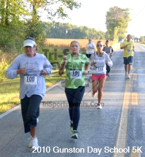 Gunston Centennial 5K Run/Walk<br><br><br><br><a href='http://www.trisportsevents.com/pics/pic01821.JPG' download='pic01821.JPG'>Click here to download.</a><Br><a href='http://www.facebook.com/sharer.php?u=http:%2F%2Fwww.trisportsevents.com%2Fpics%2Fpic01821.JPG&t=Gunston Centennial 5K Run/Walk' target='_blank'><img src='images/fb_share.png' width='100'></a>