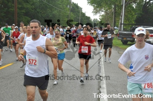 34th Chestertown Tea Party 10 Mile Run<br><br><br><br><a href='http://www.trisportsevents.com/pics/pic0189.JPG' download='pic0189.JPG'>Click here to download.</a><Br><a href='http://www.facebook.com/sharer.php?u=http:%2F%2Fwww.trisportsevents.com%2Fpics%2Fpic0189.JPG&t=34th Chestertown Tea Party 10 Mile Run' target='_blank'><img src='images/fb_share.png' width='100'></a>