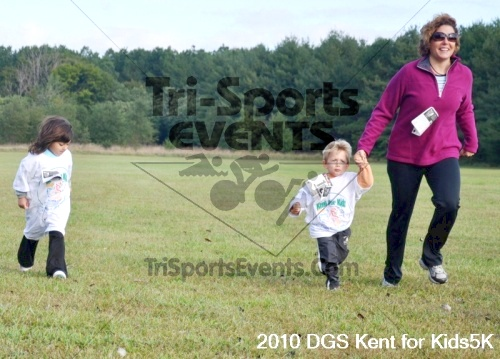 DGS - Kent for Kids 5K Run/Walk & Pushups for Charity<br><br><br><br><a href='https://www.trisportsevents.com/pics/pic02021.JPG' download='pic02021.JPG'>Click here to download.</a><Br><a href='http://www.facebook.com/sharer.php?u=http:%2F%2Fwww.trisportsevents.com%2Fpics%2Fpic02021.JPG&t=DGS - Kent for Kids 5K Run/Walk & Pushups for Charity' target='_blank'><img src='images/fb_share.png' width='100'></a>