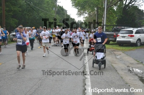 34th Chestertown Tea Party 10 Mile Run<br><br><br><br><a href='http://www.trisportsevents.com/pics/pic0309.JPG' download='pic0309.JPG'>Click here to download.</a><Br><a href='http://www.facebook.com/sharer.php?u=http:%2F%2Fwww.trisportsevents.com%2Fpics%2Fpic0309.JPG&t=34th Chestertown Tea Party 10 Mile Run' target='_blank'><img src='images/fb_share.png' width='100'></a>