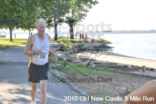 27th Old New Castle 5 Mile Run<br><br><br><br><a href='https://www.trisportsevents.com/pics/pic03615.JPG' download='pic03615.JPG'>Click here to download.</a><Br><a href='http://www.facebook.com/sharer.php?u=http:%2F%2Fwww.trisportsevents.com%2Fpics%2Fpic03615.JPG&t=27th Old New Castle 5 Mile Run' target='_blank'><img src='images/fb_share.png' width='100'></a>