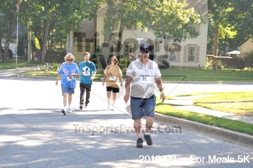 Miles For Meals 5K Run/Walk<br><br><br><br><a href='http://www.trisportsevents.com/pics/pic03714.JPG' download='pic03714.JPG'>Click here to download.</a><Br><a href='http://www.facebook.com/sharer.php?u=http:%2F%2Fwww.trisportsevents.com%2Fpics%2Fpic03714.JPG&t=Miles For Meals 5K Run/Walk' target='_blank'><img src='images/fb_share.png' width='100'></a>
