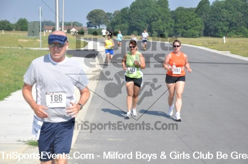 Milford Boys & Girls Club Be Great 5K Run/Walk<br><br><br><br><a href='https://www.trisportsevents.com/pics/pic03811.JPG' download='pic03811.JPG'>Click here to download.</a><Br><a href='http://www.facebook.com/sharer.php?u=http:%2F%2Fwww.trisportsevents.com%2Fpics%2Fpic03811.JPG&t=Milford Boys & Girls Club Be Great 5K Run/Walk' target='_blank'><img src='images/fb_share.png' width='100'></a>