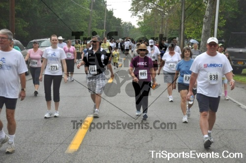 34th Chestertown Tea Party 5K Run/Walk<br><br><br><br><a href='http://www.trisportsevents.com/pics/pic0398.JPG' download='pic0398.JPG'>Click here to download.</a><Br><a href='http://www.facebook.com/sharer.php?u=http:%2F%2Fwww.trisportsevents.com%2Fpics%2Fpic0398.JPG&t=34th Chestertown Tea Party 5K Run/Walk' target='_blank'><img src='images/fb_share.png' width='100'></a>