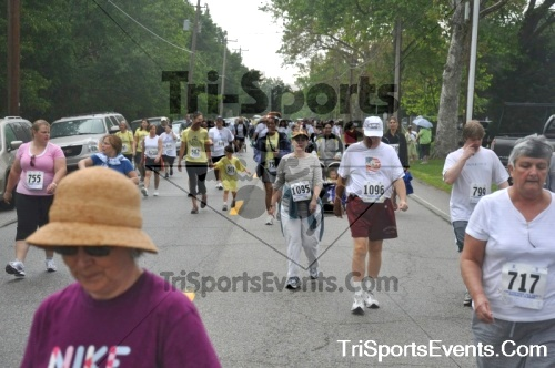 34th Chestertown Tea Party 10 Mile Run<br><br><br><br><a href='https://www.trisportsevents.com/pics/pic0406.JPG' download='pic0406.JPG'>Click here to download.</a><Br><a href='http://www.facebook.com/sharer.php?u=http:%2F%2Fwww.trisportsevents.com%2Fpics%2Fpic0406.JPG&t=34th Chestertown Tea Party 10 Mile Run' target='_blank'><img src='images/fb_share.png' width='100'></a>