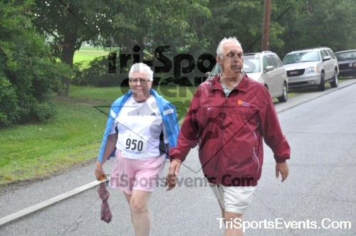 34th Chestertown Tea Party 10 Mile Run<br><br><br><br><a href='http://www.trisportsevents.com/pics/pic0476.JPG' download='pic0476.JPG'>Click here to download.</a><Br><a href='http://www.facebook.com/sharer.php?u=http:%2F%2Fwww.trisportsevents.com%2Fpics%2Fpic0476.JPG&t=34th Chestertown Tea Party 10 Mile Run' target='_blank'><img src='images/fb_share.png' width='100'></a>