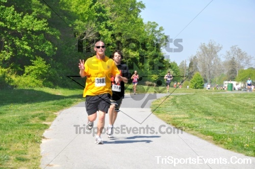 6th Trooper Ron's 5K Run/Walk<br><br><br><br><a href='https://www.trisportsevents.com/pics/pic0633.JPG' download='pic0633.JPG'>Click here to download.</a><Br><a href='http://www.facebook.com/sharer.php?u=http:%2F%2Fwww.trisportsevents.com%2Fpics%2Fpic0633.JPG&t=6th Trooper Ron's 5K Run/Walk' target='_blank'><img src='images/fb_share.png' width='100'></a>