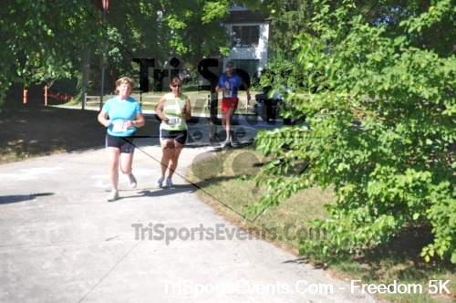 Freedom 5K Run/Walk<br><br><br><br><a href='http://www.trisportsevents.com/pics/pic0637.JPG' download='pic0637.JPG'>Click here to download.</a><Br><a href='http://www.facebook.com/sharer.php?u=http:%2F%2Fwww.trisportsevents.com%2Fpics%2Fpic0637.JPG&t=Freedom 5K Run/Walk' target='_blank'><img src='images/fb_share.png' width='100'></a>
