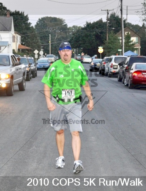 Concerns Of Police Survivors (COPS) 5K<br><br><br><br><a href='http://www.trisportsevents.com/pics/pic0956.JPG' download='pic0956.JPG'>Click here to download.</a><Br><a href='http://www.facebook.com/sharer.php?u=http:%2F%2Fwww.trisportsevents.com%2Fpics%2Fpic0956.JPG&t=Concerns Of Police Survivors (COPS) 5K' target='_blank'><img src='images/fb_share.png' width='100'></a>