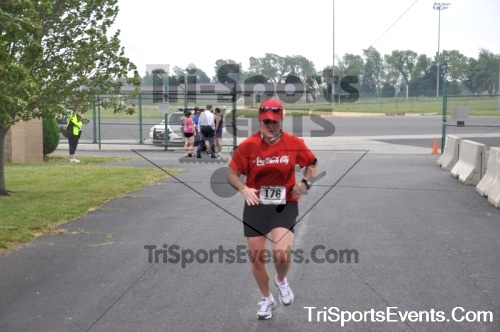 Dover Air Force Base Heritage Half Marathon & 5K Run/Walk<br><br><br><br><a href='http://www.trisportsevents.com/pics/pic0962.JPG' download='pic0962.JPG'>Click here to download.</a><Br><a href='http://www.facebook.com/sharer.php?u=http:%2F%2Fwww.trisportsevents.com%2Fpics%2Fpic0962.JPG&t=Dover Air Force Base Heritage Half Marathon & 5K Run/Walk' target='_blank'><img src='images/fb_share.png' width='100'></a>
