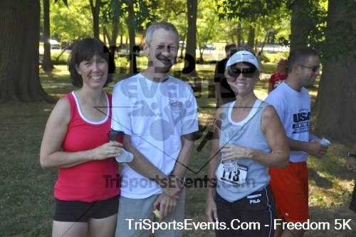 Freedom 5K Run/Walk<br><br><br><br><a href='http://www.trisportsevents.com/pics/pic0994.JPG' download='pic0994.JPG'>Click here to download.</a><Br><a href='http://www.facebook.com/sharer.php?u=http:%2F%2Fwww.trisportsevents.com%2Fpics%2Fpic0994.JPG&t=Freedom 5K Run/Walk' target='_blank'><img src='images/fb_share.png' width='100'></a>