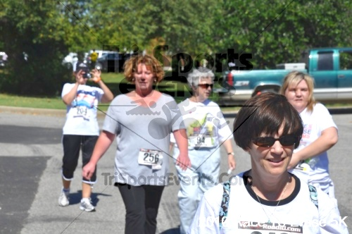 Race to Erase MS 5K Run/Walk<br><br><br><br><a href='http://www.trisportsevents.com/pics/pic1104.JPG' download='pic1104.JPG'>Click here to download.</a><Br><a href='http://www.facebook.com/sharer.php?u=http:%2F%2Fwww.trisportsevents.com%2Fpics%2Fpic1104.JPG&t=Race to Erase MS 5K Run/Walk' target='_blank'><img src='images/fb_share.png' width='100'></a>