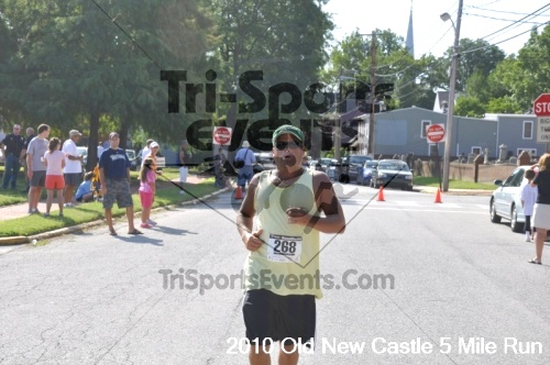 27th Old New Castle 5 Mile Run<br><br><br><br><a href='http://www.trisportsevents.com/pics/pic1451.JPG' download='pic1451.JPG'>Click here to download.</a><Br><a href='http://www.facebook.com/sharer.php?u=http:%2F%2Fwww.trisportsevents.com%2Fpics%2Fpic1451.JPG&t=27th Old New Castle 5 Mile Run' target='_blank'><img src='images/fb_share.png' width='100'></a>